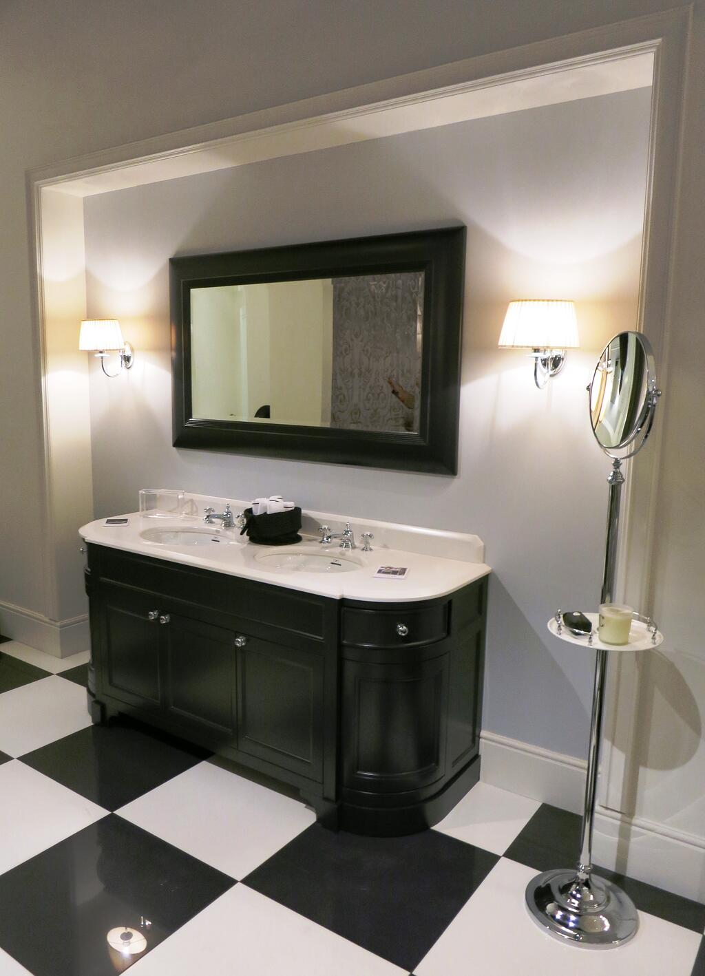 Future Trends in Bathroom Furnishings