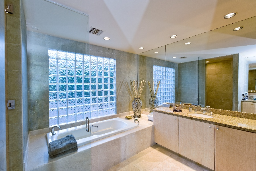 4 Elegant Ways to Upgrade Your Home with Frosted Glass Indoors