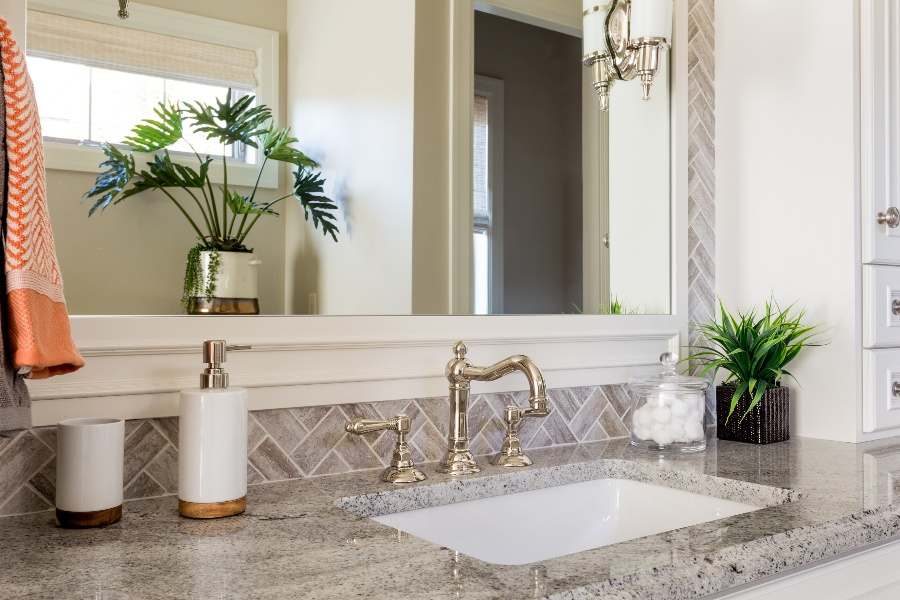 How To Choose the Right Bathroom Counter Tops?