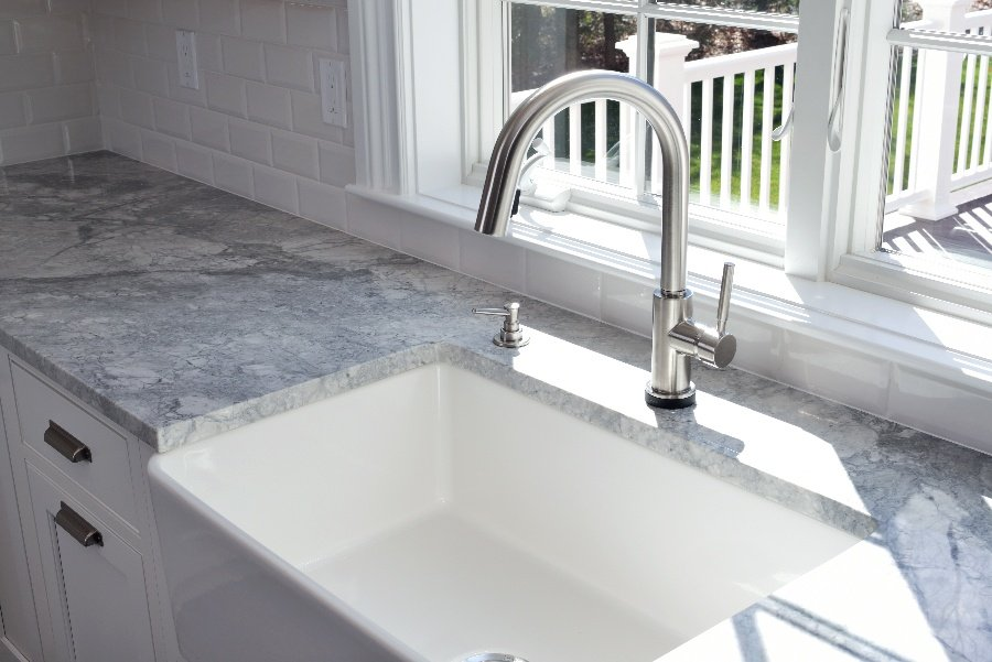 What are the different types of kitchen sinks