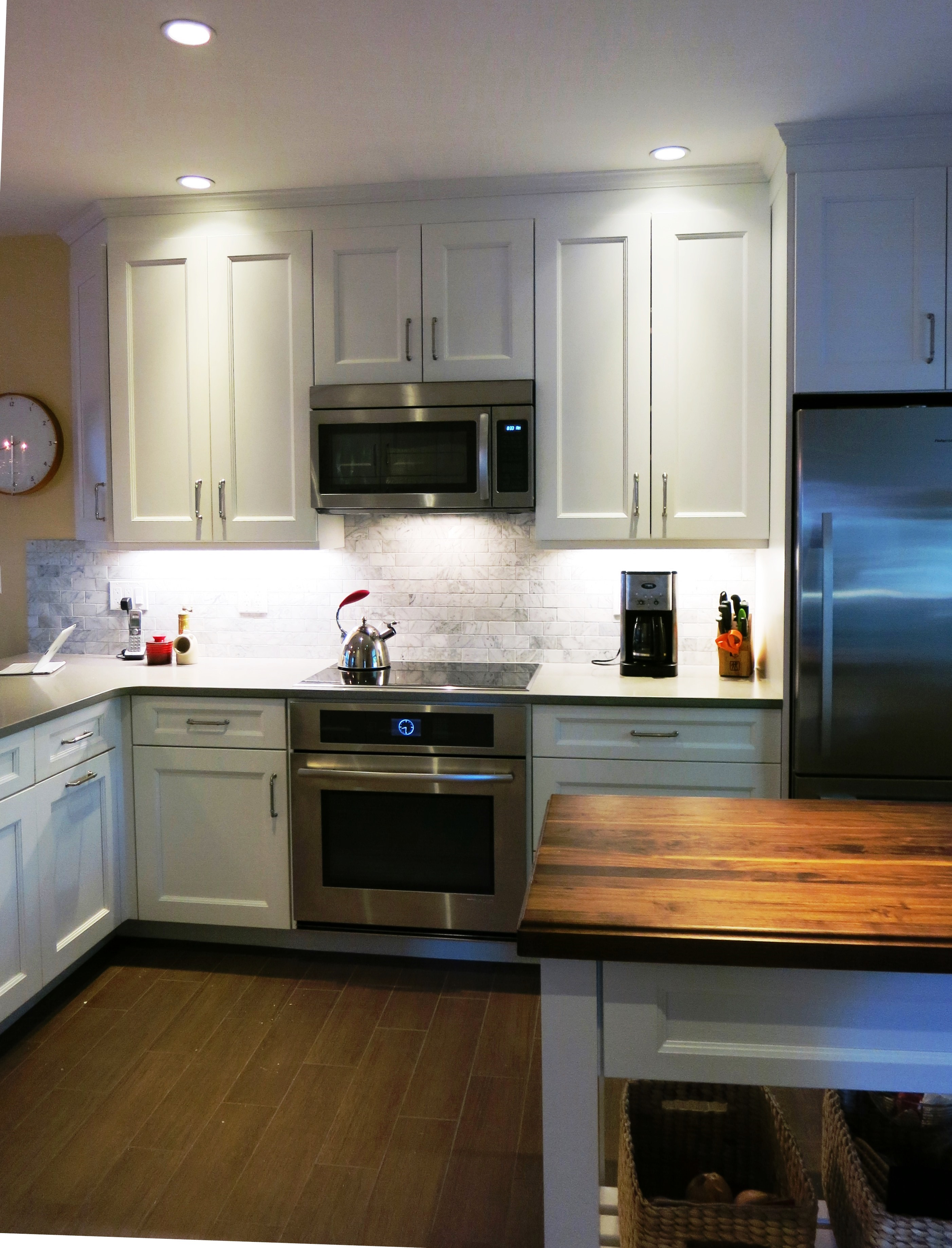 Cooking For Two Can Be A Bit Tricky If Your Kitchen Lacks Working Space.  You Both Need Space To Prepare, Eat And Entertain Together.